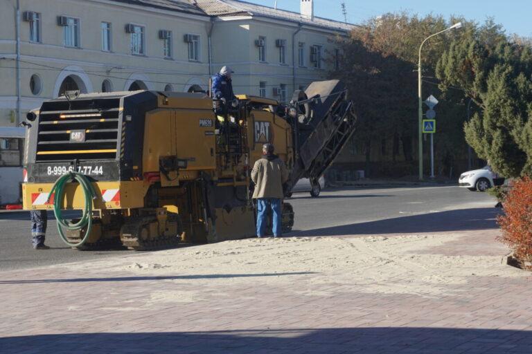 В Волжском дорожный ремонт «добрался» до улицы Фонтанной