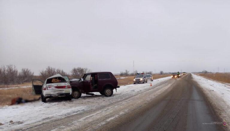 В страшной аварии в Средней Ахтубе скончался водитель ВАЗа