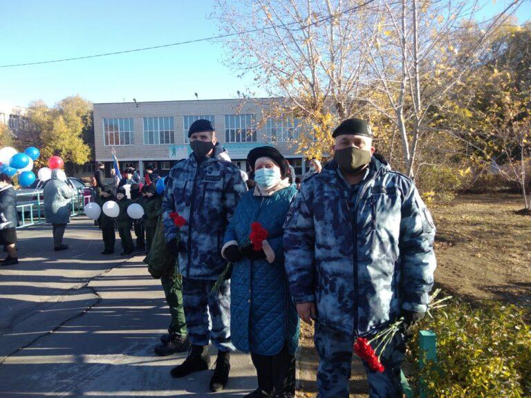 В школе Волжского почтили память  погибшего омоновца