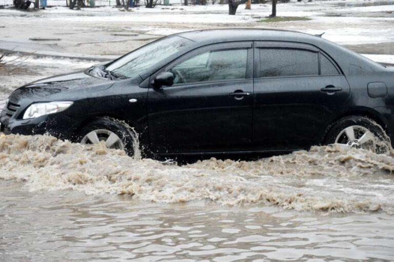 В Волжском ликвидируют условия для возможных «потопов»