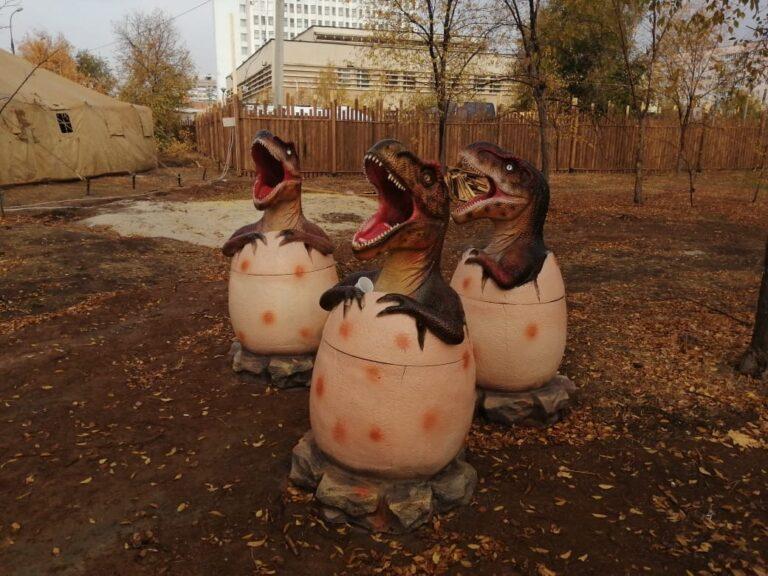 В Волжском в парке динозавров появились первые обитатели