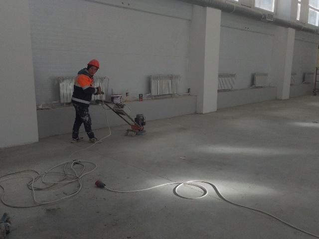 В новой спортшколе Центрального района ведутся отделочные работы