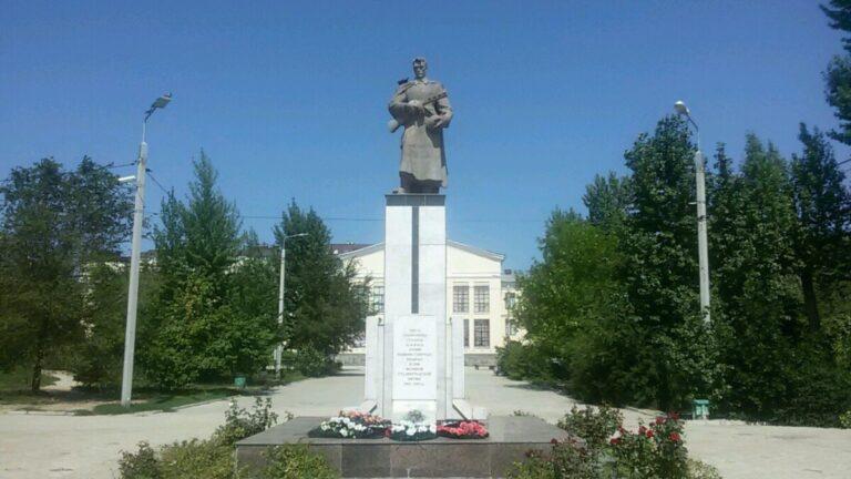 На проект реставрации братской могилы воинов 62 и 64-й Армий потратят более миллиона рублей