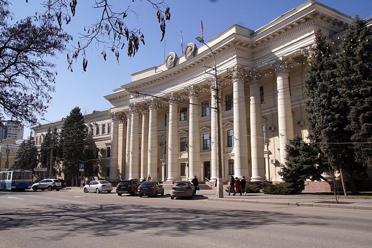 В Волгоградской области планируют увеличить траты на региональные и национальные проекты