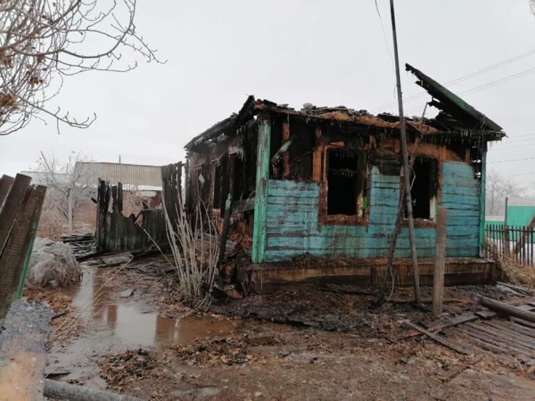 Под Волгоградом на месте пожара обнаружены тела 3-летней девочки и ее бабушки