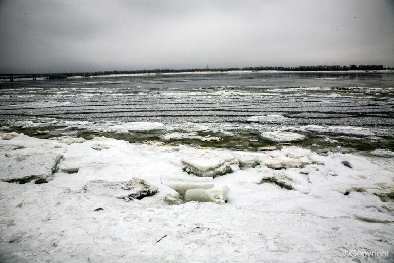 Школьник из Николаевска был найден мертвым подо льдом