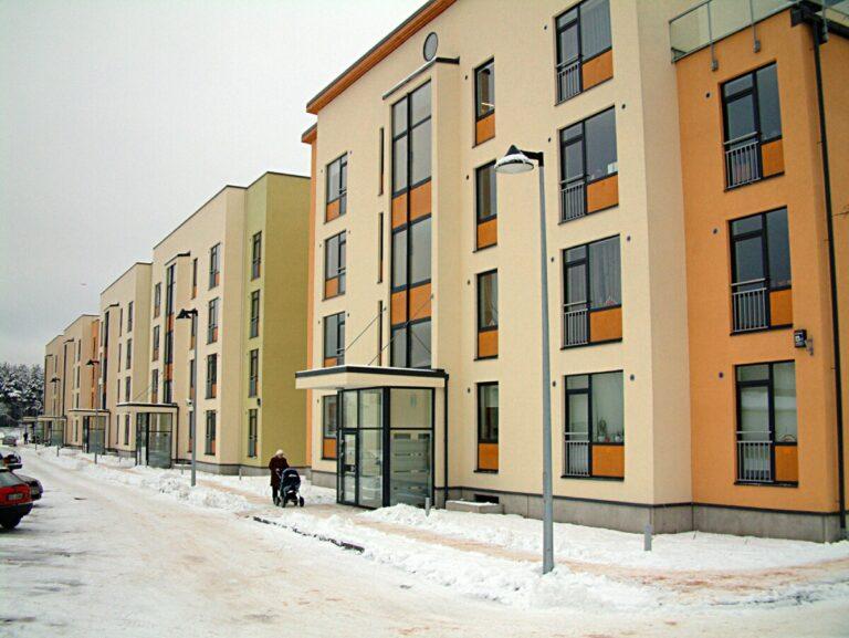 Для волгоградских сирот купят 304 однокомнатные квартиры