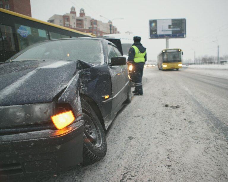 Волгоградских водителей предупредили о наледи и тумане на дорогах региона