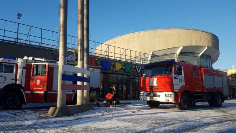 Волгоградский цирк заполонили спасатели