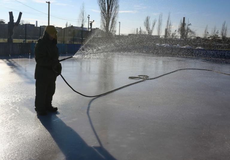 На стадионе «Темп» в Красноармейском районе откроют новый ледовый каток