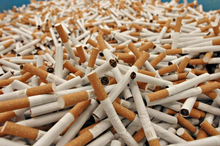 В Астрахани перехватили партию контрафактных сигарет
