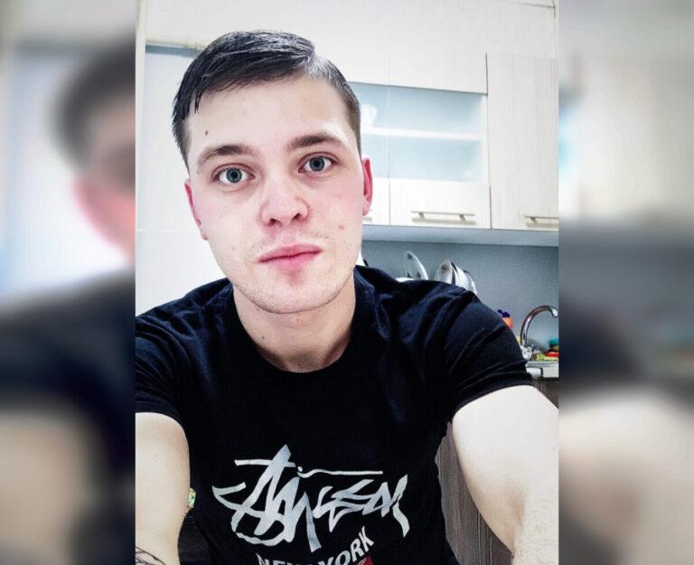 В Волгограде ищут молодого человека с татуировками, пропавшего в январе прошлого года