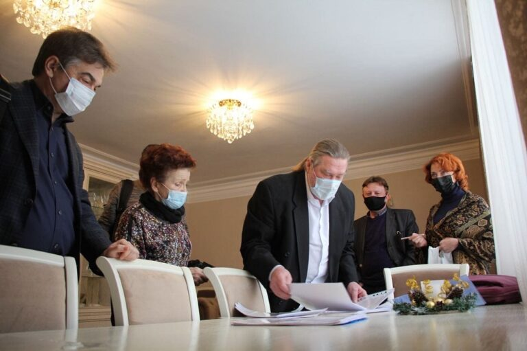 Театральные деятели Волгограда определились с лидером