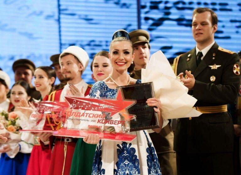 Лев Лещенко оценил талант солистки Волгоградской филармонии