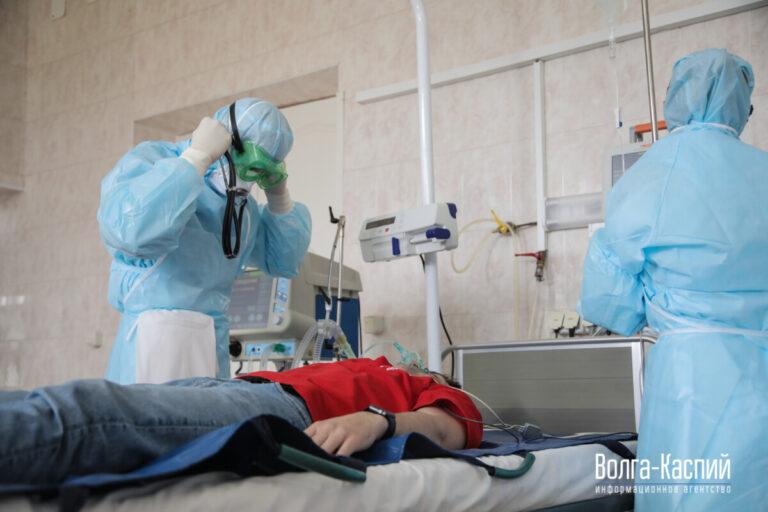 COVID-19 «молодеет»: врачи пытаются спасти 20-летнюю волгоградку с коронавирусом