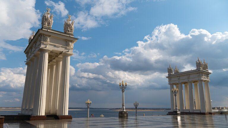 «В 5 утра солнце никому не надо»: тема перевода стрелок в Волгограде не теряет актуальности