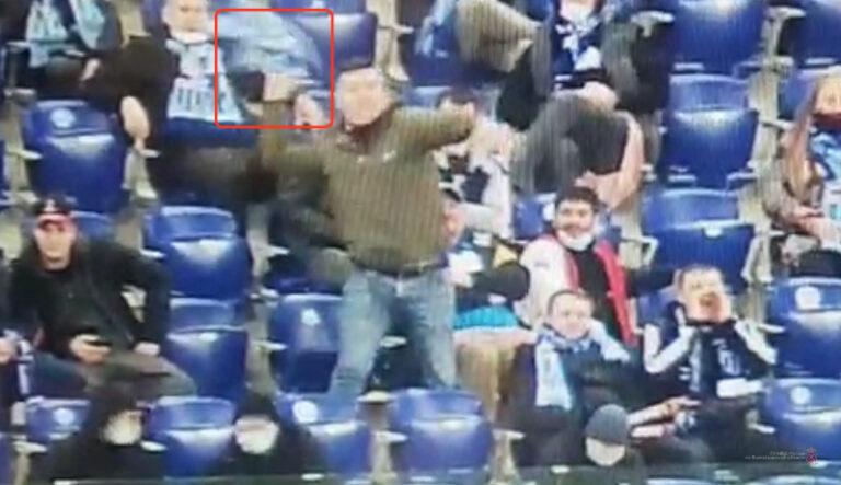 Фанату «Ротора» грозит 15 суток за брошенный на поле во время матча шарф