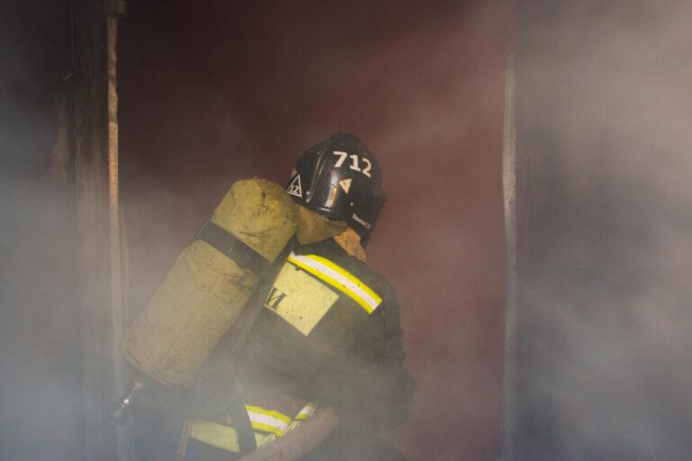 В Астрахани проводится проверка по факту гибели 44-летнего мужчины на пожаре